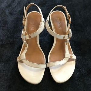 Kenneth Cole Reaction Ivory Tan Wedge Sandals 6.5